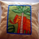 Dzsungelmánia...Vaníliasárga elefántos párna , Baba-mama-gyerek, Otthon, lakberendezés, Gyerekszoba, Lakástextil, Varrás,  Vaníliasárga pamutvászonra applikációs technikával készített elefántos párna. A belső párna saját ..., Meska