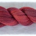 Kézi fonású gyapjú fonal élénk rózsaszín árnyalatokkal, Fonal, cérna, Gyapjúfonal, Alkotók boltja