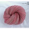 Kézi fonású gyapjú fonal rózsaszín árnyalatokkal, Fonal, cérna, Gyapjúfonal, Alkotók boltja