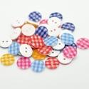 Kerek kockás gombok vegyes színekben, Dekorációs kellékek, Gomb, Kerek kockás gombok vegyes színekben Mérete: 13 mm 20 db/csomag Ára: 380 Ft (19 Ft/db) A csomag ..., Alkotók boltja