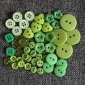 Gyönyörű zöld színű műanyag gomb válogatás 50 db, Dekorációs kellékek, Gomb, Alkotók boltja