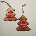 Fenyőfa karácsonyi dekor, Dekorációs kellékek, Figurák, Fából készült fenyőfa alakú dekoráció. Mérete:10*9cm + akasztó A csomag 2 db-ot tartalmaz., Alkotók boltja