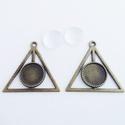 Medál alap + üveglencse - Háromszög - Bronz színű - 2 db, Gyöngy, ékszerkellék, Üveglencse, Medál alap + üveglencse - háromszög alakú - antik bronz színű - 2 db  Oldalhossza: 41 mm, befoglaló ..., Alkotók boltja