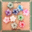 Ékszerkellék: gyanta virág BGYV 02 , Gyöngy, ékszerkellék, Üveggyöngy, Természetes gyantából készült glitteres virágok. 1.(világos zöld)  7db van belőle 2.(lila) ..., Alkotók boltja