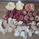 Púder-krém színű Diy selyemvirág csomag, Dekorációs kellékek, Egyéb kellékek, Virágkötészet, Mindenmás, Különböző selyemvirágokat válogattam össze, púder-krém színekben, melyekből készíthetsz kopogtatót,..., Alkotók boltja