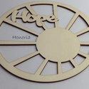 Hope-fa alap, Fa, Rétegelt lemez, fa alap, Famegmunkálás, Virágkötészetben ajtódíszhez használható, könnyű bedíszíthetőségű felülettel. Méret: 20 cm átmérőjű..., Alkotók boltja