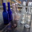 Színes Üvegpalack 0.25 literes, Üveg, Üvegművészet, Magyarországon készült színes üvegpalackok, 22 cm magas anyagában színezett áttetsző, kobaltkék és ..., Alkotók boltja