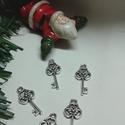 Kulcs medál, Gyöngy, ékszerkellék, Egyéb alkatrész, Ékszerkészítés, Szerelékek, Tibeti ezüst színű kulcs medálok. Méret: 23*10 mm 1 csomag 5 db-ból áll., Alkotók boltja