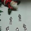 Kisfiú medál, Gyöngy, ékszerkellék, Egyéb alkatrész, Ékszerkészítés, Szerelékek, Tibeti ezüst színű medálok. Méret: 8*19 mm 1 csomag 5 db-ból áll., Alkotók boltja