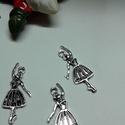 Táncos balerina medál, Tibeti ezüst színű medálok. Méret:  31*16 mm ...