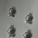 Mosolygós figura medál, Gyöngy, ékszerkellék, Egyéb alkatrész, Alkotók boltja