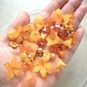 Akril virág gyöngy és gyöngy mix 95 darabos, Gyöngy, ékszerkellék, Figurális gyöngyök, Ékszerkészítés, Gyöngy, 95 darabos matt tejhatású akril virág gyöngy és gyöngy válogatás. A virágok fűzhetőek egytől egyig,..., Alkotók boltja