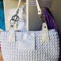 zsinórfonalból készült fehér-ezüst táska, , Kötés, horgolás, 28 cm magas, bőr füllel készült, Alkotók boltja