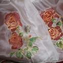 Hernyóselyem sál, stóla. , Festék, Textilfesték, Festett tárgyak, festészet, Festőfelület, Saját tervezésű és készítésű selyem sál, stóla.  Hernyóselyemre alapanyagra festettem kalocsai rózs..., Alkotók boltja