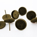 Antik réz, bronz színű kerek bedugós fülbevaló alap 8 mm, Gyöngy, ékszerkellék, Egyéb alkatrész, Ékszerkészítés, Szerelékek, Nikkelmentes ötvözetből antikolt bronz / réz színá kerek bedugós fülbevaló alap.  Az ár 1 párra von..., Alkotók boltja