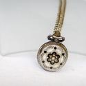 """Antik bronz """"mozaikos"""" ékszeróra/nyakláncóra, Órakészítés, Vegyes alapanyag, Ékszerkészítés, Antik bronz színű, lenyitható fedelű nyaklánc óra.  Mérete: 2,5cm átmérőjű A nyaklánc hossza 80cm, ..., Alkotók boltja"""
