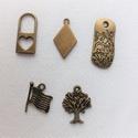 Bronz medálok (3) 5db/csomag, Gyöngy, ékszerkellék, Fém köztesek,  A csomag tartalma 5db bronz színű medál. Karkötő készítéshez ajánlom. , Alkotók boltja