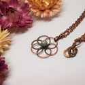 Flower of Life réz nyaklánc, Ékszer, Nyaklánc, Ékszerkészítés, Fémmegmunkálás, Vidám virágos nyaklánc, ami megszínesíti a hétköznapokat.  Vörösréz ékszerdrótból készült, amit egy..., Meska