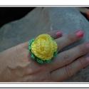 Sárga rózsás gyűrű , Ruha, divat, cipő, Ékszer, óra, Baba-mama-gyerek, Gyűrű, Horgolás, Sárga és zöld fonalból készítettem ezt a romantikus és nőies horgolt gyűrűt. A rózsát állítható gyű..., Meska