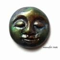 Arc kaboson, Nap, Buddha, bogárzöld, Fekete süthető gyurmából, fémes kék-zöld-br...