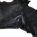 Fekete krokodil mintás  báránybőr , Gyöngy, ékszerkellék, Egyéb alkatrész, A bőrök olaszországból származnak. Fantasztikusan szépek,könnyen varrhatók kézzel . /Kipróbálva!/  E..., Alkotók boltja