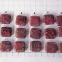 Coral fossilia négyzetek., Gyöngy, ékszerkellék, Cabochon, Mályvaszínű corall fossiliák.    A kis kockák fúrva vannak. Méret: 18mm X 18mm   Kérlek privát üzene..., Alkotók boltja