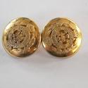 Arany színű  fém gomb 7/b, Gomb, Gyöngy, ékszerkellék, 20 mm átmérőjű arany  színű fém gomb. Ebből a gombból létezik kisebb is.  7/a alatt találod.  Minden..., Alkotók boltja