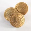 Arany színű  fém gomb 10/b, Gomb, Gyöngy, ékszerkellék, 20 mm átmérőjű arany  színű fém gomb. Ebből a gombból létezik kisebb is.  10/a alatt találod.  Minde..., Alkotók boltja