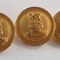 Arany színű  fém gomb 11/b, Gomb, Gyöngy, ékszerkellék, 23 mm átmérőjű arany  színű fém gomb. Ebből a gombból létezik kisebb is.  11/a alatt találod.  Minde..., Alkotók boltja