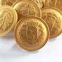 Arany színű  fém gomb 12/a, Gomb, Gyöngy, ékszerkellék, 17,5mm átmérőjű arany  színű fém gomb. Ebből a gombból létezik nagyobb is.  12/b alatt találod.  Min..., Alkotók boltja