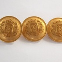 Arany színű  fém gomb 12/b, Gomb, Gyöngy, ékszerkellék, 23 mm átmérőjű arany  színű fém gomb. Ebből a gombból létezik kisebb is.  12/a alatt találod.  Minde..., Alkotók boltja