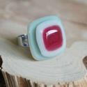 Rebarbara üveg gyűrű, Ékszer, Gyűrű, Ékszerkészítés, Üvegművészet, Több rétegből álló üveg gyűrű, melynél telt krém, áttetsző pink és halvány zöld üvegeket kombinálta..., Meska