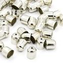 9x8mm zsinórvég, bőrvég, végzáró - ezüst szín, Gyöngy, ékszerkellék, Zsinórvég, bőrvég, végzáró  Szín: ezüst Anyag: fém Forma: harang  MÉRETEK: Magasság: 9mm Ámérő: 8mm ..., Alkotók boltja