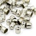 9x8mm zsinórvég, bőrvég, végzáró - platina (nikkel) szín, Gyöngy, ékszerkellék, Zsinórvég, bőrvég, végzáró  Szín: platina (nikkel, sötét ezüst) Anyag: fém Forma: harang  MÉRETEK: M..., Alkotók boltja