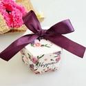 20 db Happiness ajándékdoboz, Csomagolóanyag, Papír, Mindenmás, Papírművészet, Hatszögletű ajándékdoboz Happiness (Boldogság) felirattal, virág mintával, tetején díszkötővel.  La..., Alkotók boltja