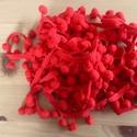 Piros pom-pom szalag, Vegyes alapanyag, Az ár 1 m-re vonatkozik. A megadott mennyiség a maximum, nem lesz több, felhasználásból maradt meg. ..., Alkotók boltja