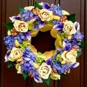 """"""" Vajszín rózsák lilával """" kopogtató (22 cm), Dekoráció, Otthon, lakberendezés, Dísz, Ajtódísz, kopogtató, Virágkötés, Gyönyörű rusztikus vajszín - barack rózsákat, lila orgonákat és mini kálákat rendeztem el szimmetri..., Meska"""