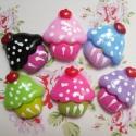 40db-os Muffin cupcake cabochon kaboson szett, Dekorációs kellékek, Gyöngy, ékszerkellék, Édes muffin mintás cabochon csomag  Méret:16x20mm  6 különböző szín kerül egy csomagba, vegyes darab..., Alkotók boltja