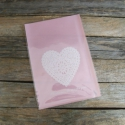 Rózsaszín celofán tasak ajándéktasak - FEHÉR SZÍV, Csomagolóanyag, Fólia, Mézeskalácssütés, Fehér szív mintával az elején  A hátoldal is rózsaszín.  10db/csomag  Anyaga: celofán  Méret: 19 x ..., Alkotók boltja