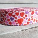 Piros szív mintás Grosgrain szalag - 22mm, Textil, Szalag, pánt, Egyoldalas nyomott grosgrain szalag.   Méret: 22mm széles   Csomagoláshoz, ajándékokra, képesl..., Alkotók boltja
