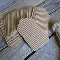 Kraft bordázott hullámos szélű papírcédula biléta varrásokhoz- 50db, Papír, Dekorációs papír, Barna papírcédula madzaggal  50db/cs, mindegyikhez saját madzag  Méret: 4,5 x 8cm   Csak az egyo..., Alkotók boltja