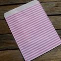 Rózsaszín csíkos papírtasak süteményes zacskó , Csomagolóanyag, Fólia, Mézeskalácssütés, 10 db leheletvékony, finom papírzacskó   Méret: 13 x 15,5 cm plusz ráhajtás  Rózsaszín csíkkal, a m..., Alkotók boltja
