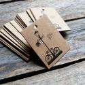 Kraft Biciklis cédula termékek csomagoláshoz díszítéséhez, Papír, Dekorációs papír, Varrás, Kraft cédula  25db/cs  Méret: 4 x 3cm  Anyaga: 300gsm kraft papír, kitűnő minőségű  Zsineg NÉLKÜL. ..., Alkotók boltja