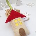 KARÁCSONYFA DÍSZ FILCBŐL , Dekoráció, Ünnepi dekoráció, Karácsonyi, adventi apróságok, Karácsonyfadísz, Hímzés, Varrás, Gyapjúfilc felhasználásával, 100%-ban kézzel készítettem,  vatelinnel puhára  tömtem ezt a házikót...., Meska