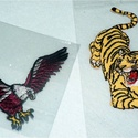 Varrható motivum, Textil, Felvarrható kellék, Varrható tigris és sas motívum. A tigris mérete 13x7cm, a sas mérete 10x8,5cm. 1 csomagban 1db sas é..., Alkotók boltja