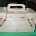 Varrós doboz, Díszíthető tárgyak, Fa, Decoupage, szalvétatechnika, Decoupage alap, Több rekeszes varrós doboz. Igazi kihívás egy ügyes kezű alkotónak. Mérete 21x12x11cm., Alkotók boltja