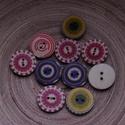 20 db-os, 25 mm-es, vegyes mintás gombcsomag, Dekorációs kellékek, Gomb, Varrás, Gomb, 20 db-os, 25 mm-es, 2 lyukú,,fagomb csomag textilekhez, scrapbookinghoz, dekorációhoz, egyéb kreatí..., Alkotók boltja