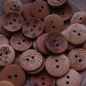 30 db-os, 20 mm-es, vegyes mintás gombcsomag, Dekorációs kellékek, Gomb, 20 db-os, 20 mm-es, 2 lyukú,,fagomb csomag, vegyes mintákkal textilekhez, scrapbookinghoz, dekoráció..., Alkotók boltja