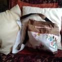 textil táska kalocsai hímzésssel barna, Textil, Vegyes alapanyag, Hímzés, Varrás, textil táska kalocsai hímzéssel barna,bélelt,átalvetős,vállpánt hossza 125 cm,táska mérete 32cm x 3..., Alkotók boltja