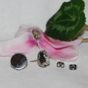 Nemesacél bedugós fülbevaló alap (12 mm), Gyöngy, ékszerkellék, Egyéb alkatrész, Nemesacél bedugós fülbevaló alap. Belső átmérő: 12,4mm  A nemesacél előnye az ezüst, valamint bármil..., Alkotók boltja